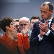 Mehr als tausend Worte: Annegret Kramp-Karrenbauer und Friedrich Merz schauen sich auf einer Regionalkonferenz im April 2019 in die Augen.