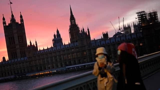 Der Palace of Westminster im Sonnenuntergang: Wird noch verhandelt oder versuchen die Brexit-Chefunterhändler der EU und Großbritanniens nur noch, Zeit zu gewinnen?