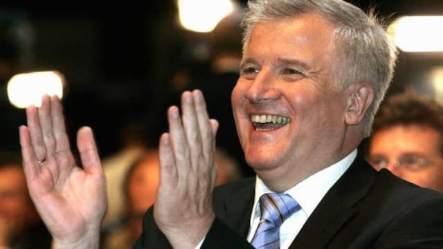 Horst Seehofer wurde zum neuen Parteivorsitzenden der CSU gewählt