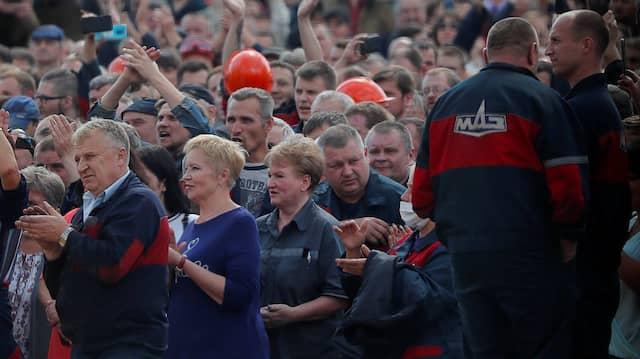 Protest gegen Lukaschenka beim Automobilwerk MAZ in der belarussischen Hauptstadt Minsk