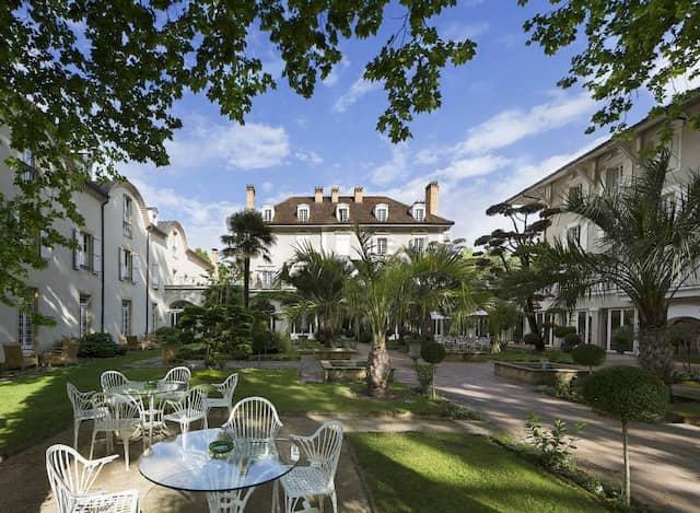1974 verließ Guérard Paris, um in dieser Villa in Eugénie-les-Bains ein Hotel und ein Restaurant zu bauen.