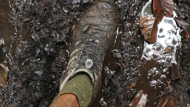 Matsch, der ständige Begleiter auf dem Kokoda-Track.