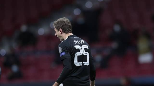 Müller kam, sah, dribbelte, wurde gefoult und traf vom Punkt zum 1:1 der Bayern in Madrid.