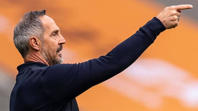 Eintracht-Trainer Adi Hütter verliert bei seinem neuen Verein in Gladbach.