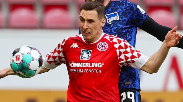 Dominik Kohr (vorne) spielt auch kommende Saison bei Mainz 05.