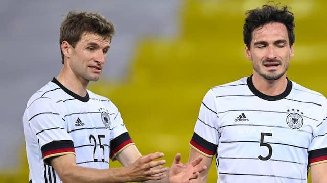 Kurz vor der EM kehrten sie zurück, doch eine Erfolgsgeschichte wurde es nicht: Thomas Müller (links) und Mats Hummels