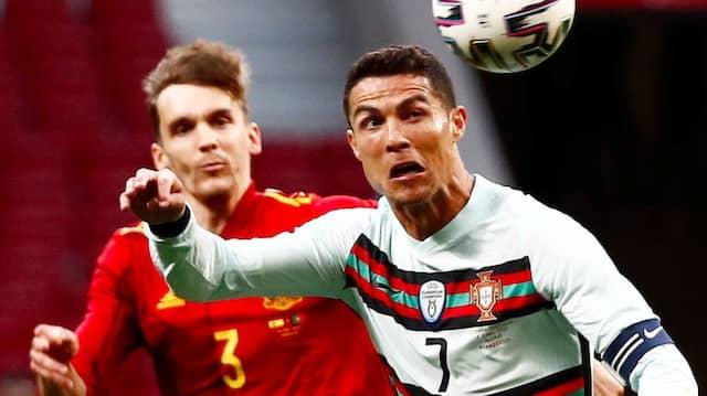 Zuletzt spielte Diego Llorente (links) mit Spanien noch gegen Cristiano Ronaldo und Portugal.