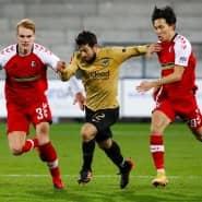 Die Frankfurter bleiben trotz Unentschieden in Lauerstellung: Nur zwei Punkte sind es bis zum Tabellenvierten Dortmund.