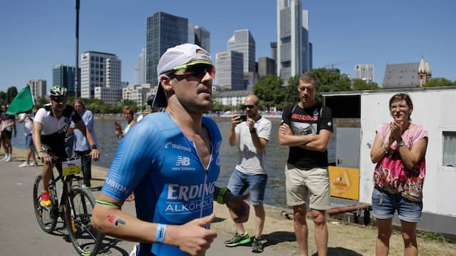 Corona belastet auch den Sport: Der Ironaman Frankfurt mit Stars wie Patrick Lange hofft noch immer.