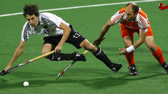 Einst als Spieler gegen Deutschland aktiv: Teun de Nooijer (rechts, hier 2010)