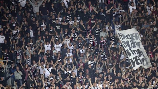 Strafe wegen Fanverhaltens: Eintracht Frankfurt muss einen Block sperren.