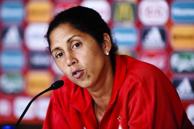 Steffi Jones: Die neue Nationaltrainerin will den EM-Titel vor allem mit vielen jungen Spielerinnen holen.
