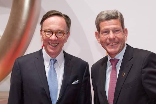 Vorgänger und Nachfolger: Bernhard Mattes mit dem bisherigen VDA-Präsident Matthias Wissmann (links) im Jahr 2014