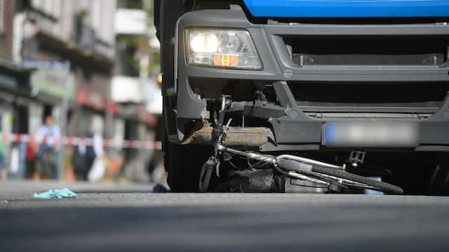 Laut Bundesverkehrsministerium verunglückten im vergangenen Jahr in Deutschland 426 Radfahrer tödlich.