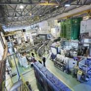 Isolde (Isotope Separator On Line Device) ist eine seit 1967 betriebene Einrichtung zur Erzeugung radioaktiver Strahlen kurzlebiger Nuklide. Jetzt werden hier auch radioaktive Moleküle erzeugt und untersucht.