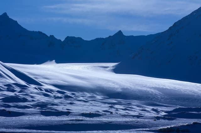 Das Abschmelzen der polaren und alpinen Gletscher zählt zu den Folgen des Klimawandels, die bereits sichtbar sind.