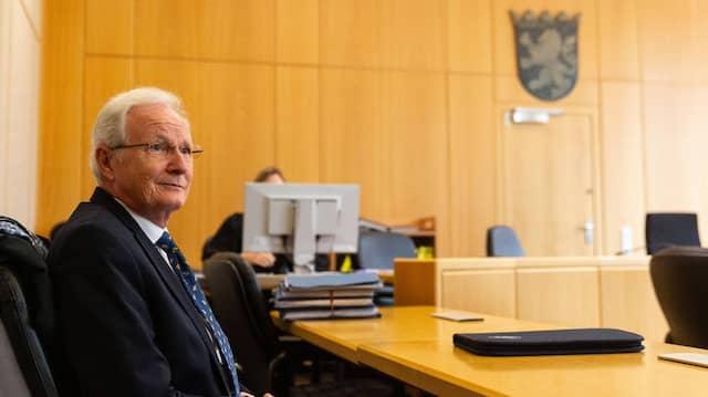Unvermeidlich:Prozess gegen den früheren Eschborner Bürgermeister Mathias Geiger.