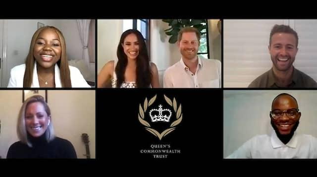 Schön auf Sendung: Meghan und Harry (in der Mitte), hier noch bei einem Video-Chat für den Commonwealth Trust der Queen.