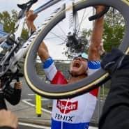 Mathieu Van der Poel muss seinen Kohlefaseresel zwar nicht zahlen, verdient aber nur gut damit, weil die Kraft aus den Beinen kommt.