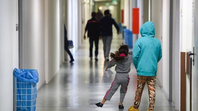 Aufwärts: Mit der Aufnahme und Betreuung von Flüchtlingen sind auch steigende Kosten verbunden