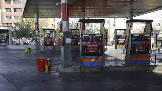 Keine Kunden: Leere Tankstelle in Teheran.