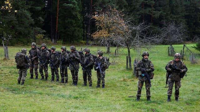 Bundeswehrsoldaten während der Übung BWTEX (Baden-Württembergische Terrorismusabwehr Exercise) bei Stetten am kalten Markt.