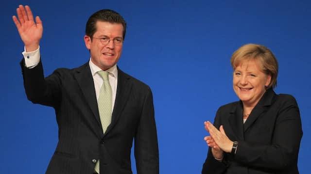 Karl-Theodor zu Guttenberg bekam 2010 noch Applaus auf dem CDU-Parteitag.