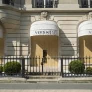 Der Versace-Store in Paris ist derzeit geschlossen.