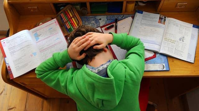 Kopfzerbrechen: Viele Kinder werden auch gegen Empfehlung auf ein Gymnasium geschickt.
