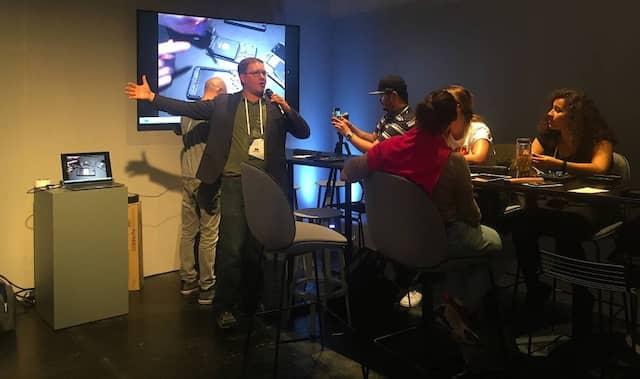 Der Workshop von iFixit während der Me Convention