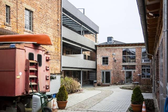 Fläche für die Gründer-Community: Das Backsteingebäude in Idstein liegt unweit des Campus.