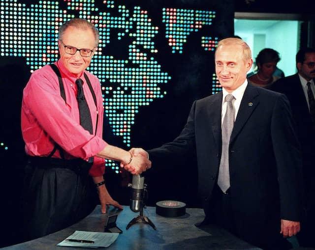 """""""Er hat sie alle"""": Der russische Präsident Wladimir Putin war 2000 bei Larry King zu Gast."""