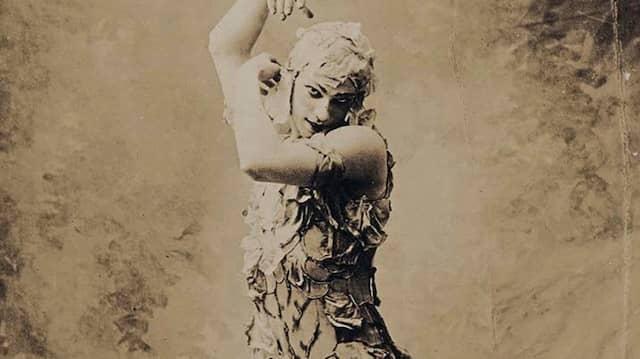 Vaclav Nijinsky als Geist der Rose in der gleichnamigen Choreographie der Ballets Russes im Jahr 1911 in Paris