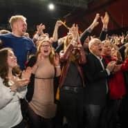 Vorhergesagt, und doch befreiend: Hamburger SPD-Anhänger feiern den Wahlausgang.