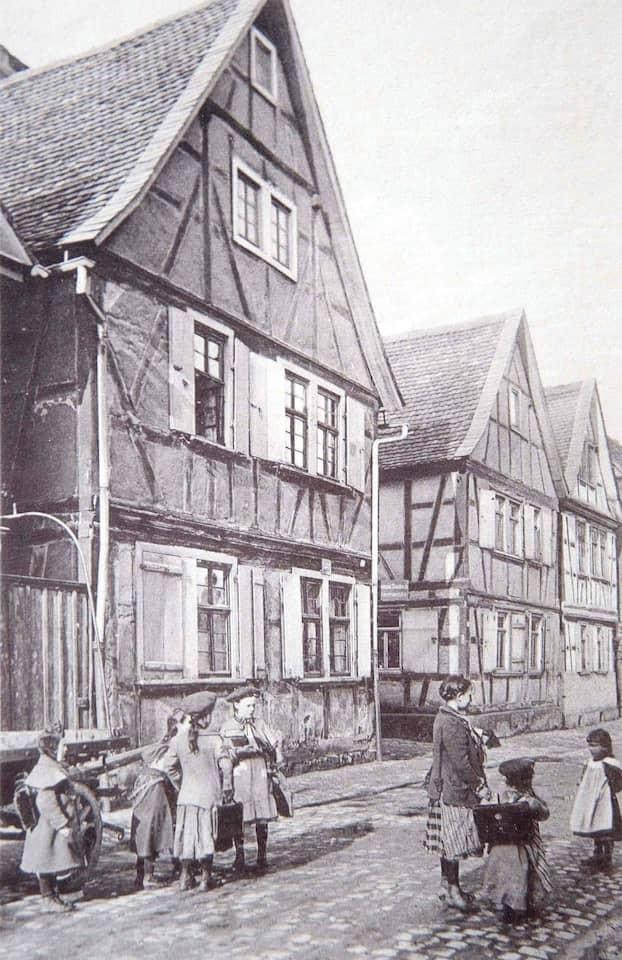 Blick zurück: Die Offenbacher Sandgasse um 1900