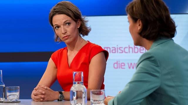 Von Moderatorin zu Moderatorin: Anna Planken (links) mit Sandra Maischberger