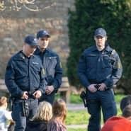 In Stuttgart gingen am Donnerstag viele Menschen trotz Warnungen in den Park.