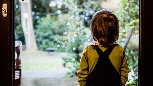Keine Freunde treffen: Nicht nur schulisch leiden Kinder.