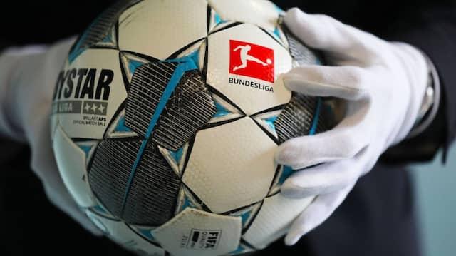 Der Fußball des ersten Geisterspiels in der Fußball Bundesliga (Borussia Mönchengladbach - 1.FC Köln am 11.0.2020) wird im Haus der Geschichte gezeigt.