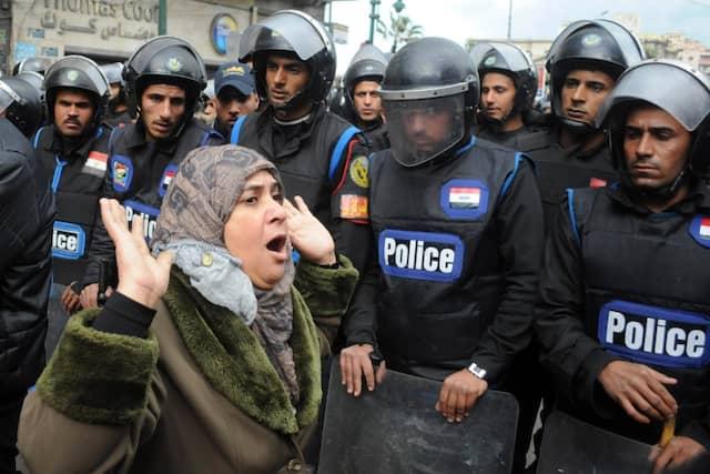 Aufgeheizte Stimmung in Alexandria: Anzeichen für einen Dialog zwischen den neuen Machthabern und der Opposition gibt es kaum