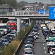 Zu viel Verkehr: Auf der A3 staut es sich oft kilometerlang. Auch LKWs spielen dabei eine entscheidende Rolle.