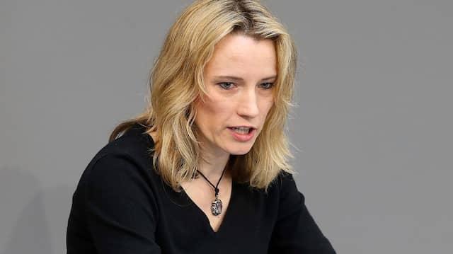 Die damalige AfD-Abgeordnete Verena Hartmann spricht im April 2018 im Deutschen Bundestag.