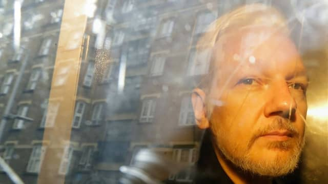 Julian Assange im Mai 2019 nach einer Gerichtsverhandlung