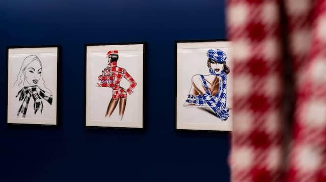 Die Ausstellung präsentiert die Tati-Kollektion von Azzedine Alaïa aus dem Jahr 1991.