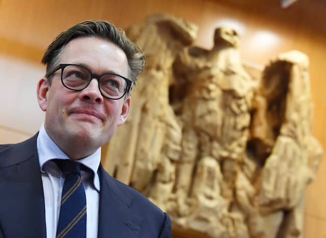 """""""Wir tun uns keinen Gefallen, wenn wir sagen, das ist ein ostdeutsches Problem und im Westen ist alles super"""", sagt der stellvertretende Grünen-Fraktionsvorsitzende Konstantin von Notz"""