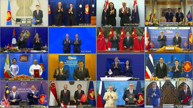Ein Screenshot der Videokonferenz zur Besiegelung des RCEP-Abkommens zeigt die Vertreter der beteiligten Staaten.