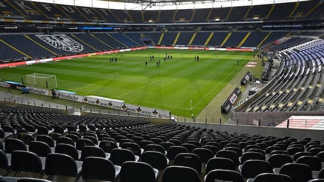 Noch ist es leer: Doch am Samstag könnten sich wieder 10 000 Zuschauer in der Commerzbank-Arena einfinden.