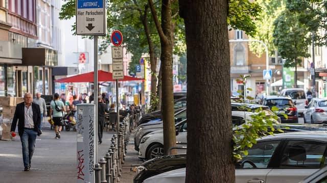 Freies Parken ade: Auch an der Berger Straße wird das Abstellen von Fahrzeugen gebührenpflichtig.