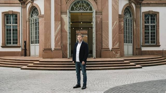 Fürstlich: Mit seinem Unternehmen Satis&Fy will Nico Ubenauf Leben ins Thurn-und-Taxis-Palais bringen.