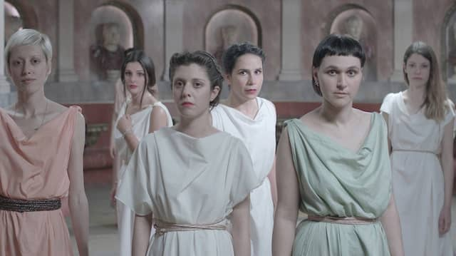 Je antiker so ein Chor aussieht, desto moderner sind seine Sorgen: Große Versammlung aus Zeus Machine
